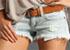 Le short en jean, un indispensable de l'été