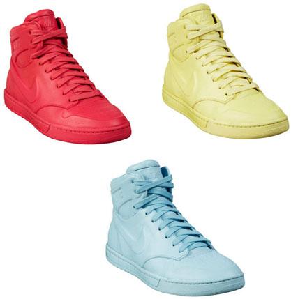 Baskets Nike Air Royalty Macaron