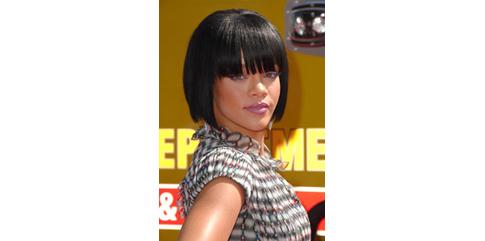 Rihanna carré court à franges