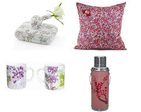 objets de décoration liberty et fleurs