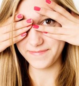 Des ongles colorés : la tendance de l'été