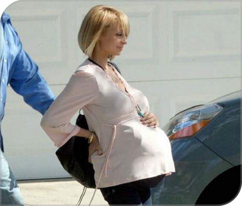 Nicole Ritchie enceinte
