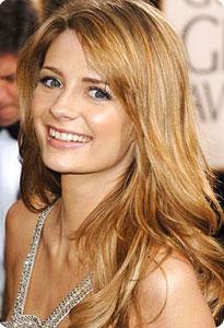 Elle est nouvellement blonde et le moins que lon puisse dire cest que le changement na pas nui à sa carrière, bien au contraire !