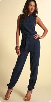 Asos toujours pour ces pantalons à la mode du moment  Pantalon « harem » à gauche pour ce sarouel ¾ serré sur les mollets et pantalon dit « carotte » à