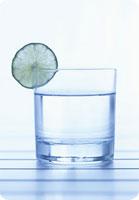 Boire de l'eau, condition bien-être et santé