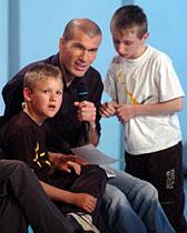 Zidane donne de son temps aux enfants