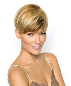 Coupe de cheveux court blond meche